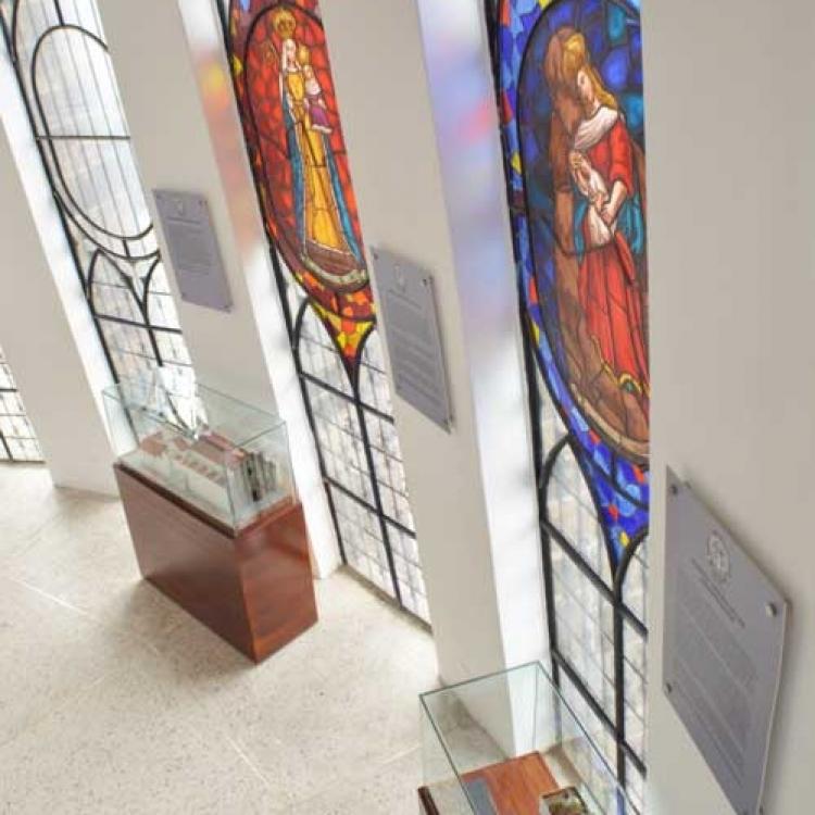 exposicion-de-vitrales